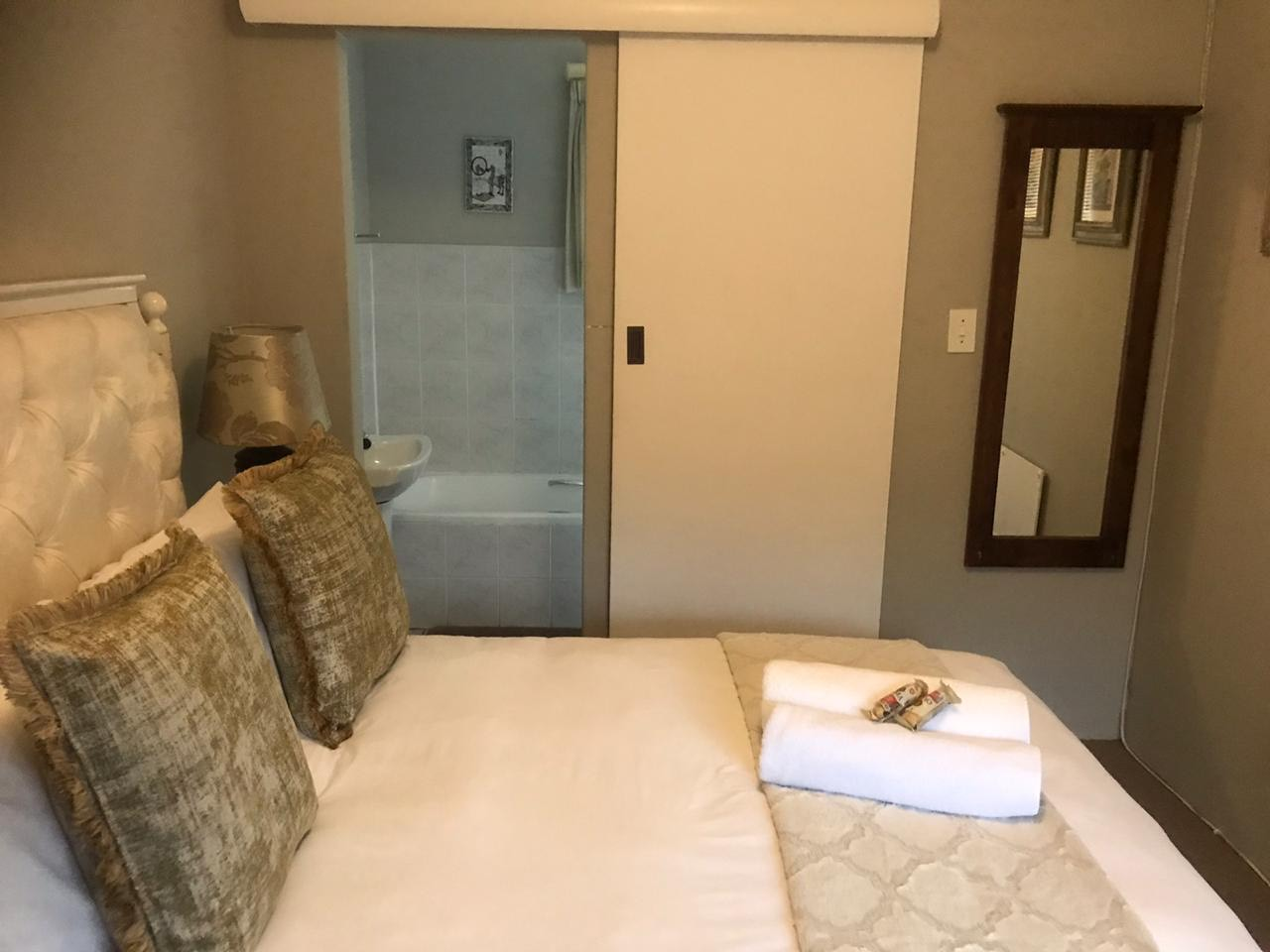 Abbots Cove En-Suite Rooms